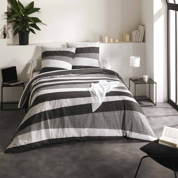 cr ateur de linge de maison et linge de lit housse de couette et plus c d. Black Bedroom Furniture Sets. Home Design Ideas