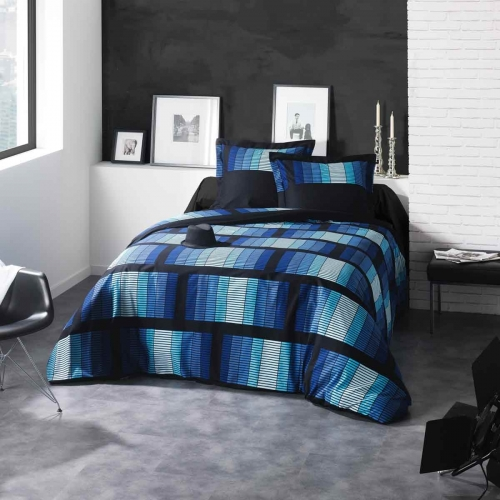 housse de couette taie bloom bleu c design home textile. Black Bedroom Furniture Sets. Home Design Ideas