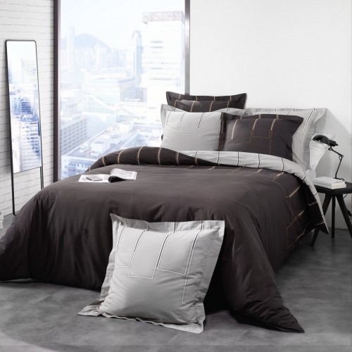 housse de couette taie riviera marron c design home textile. Black Bedroom Furniture Sets. Home Design Ideas